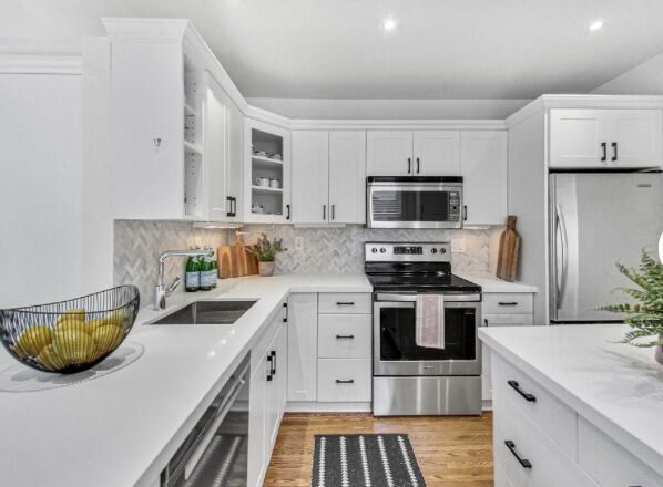 Kitchens Styled to Sell UPstaging